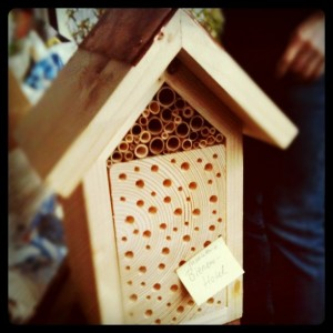 Bienenhotel fertig zur Montage
